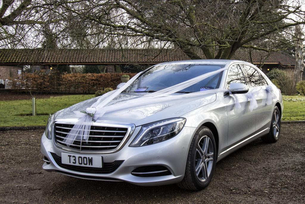 Luxury wedding cars for 2016 wedding in yorkshire hull for Mercedes benz scarborough